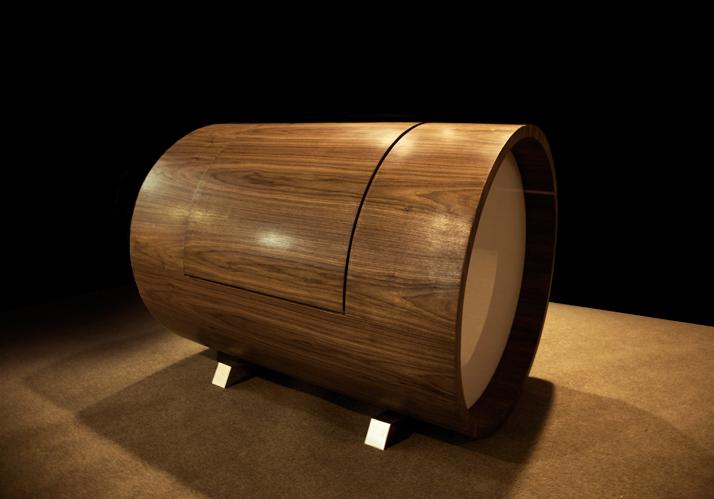 cloche-sofa-walnuts-harm-chair-close-carpet